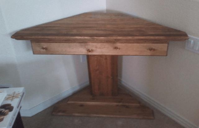 pine, desk, pedestal, pedestal desk, corner desk, longmont,80503, carpenter, carpentry, woodwork
